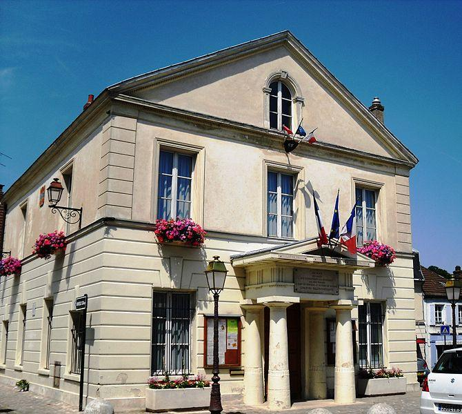 Limours/immobilier/CENTURY21 LD Immobilier/Limours mairie hotel de ville